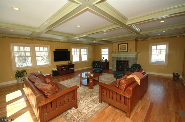 9 COUNTRYSIDE DR, New Providence, NJ 07901 - Image 1