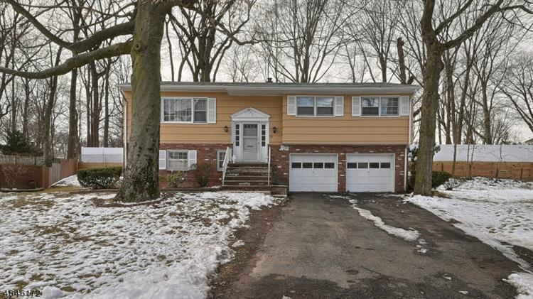 318 SUSAN CT, North Plainfield, NJ 07060