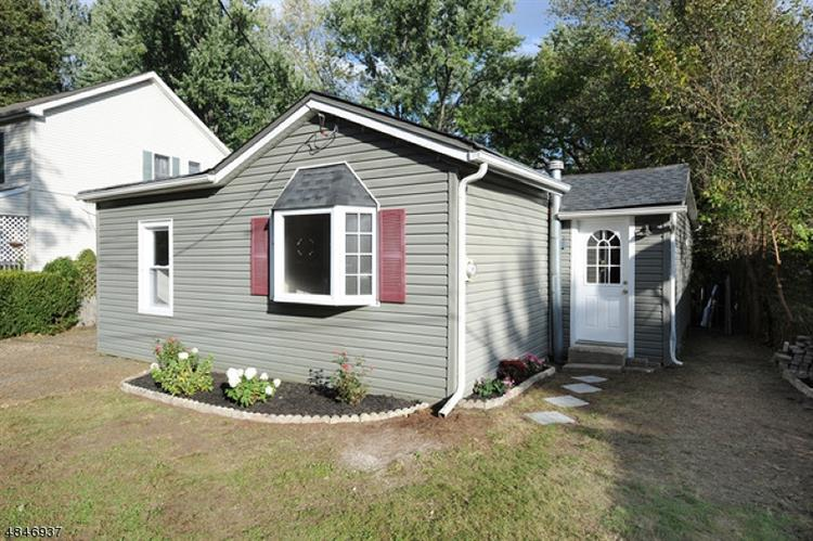 3 NEW ST, Wanaque, NJ 07465