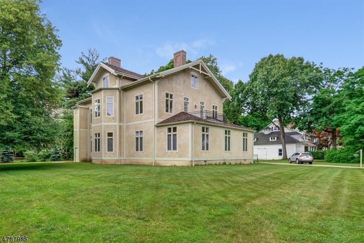 21 Perry Street, Morristown, NJ 07960 - Image 1