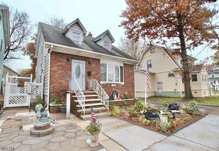 449 W 2ND AVE, Roselle, NJ 07203