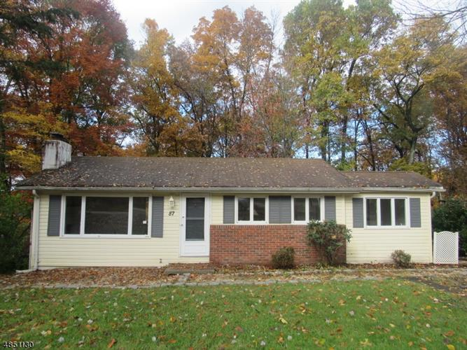 87 GREENHILL RD, Vernon, NJ 07419