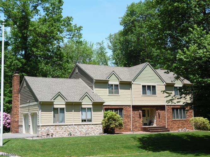 142 W SPRINGTOWN RD, Washington Township, NJ 07853 - Image 2