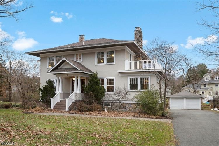 11 Larchdell Way, Mountain Lakes, NJ 07046 - Image 1