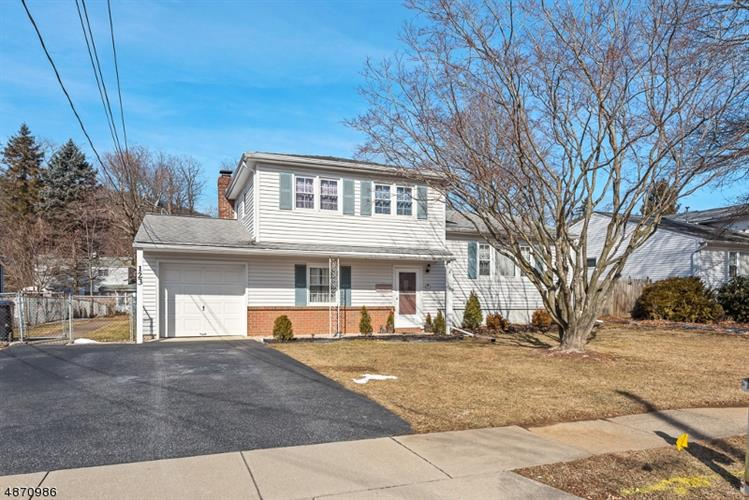 123 DEERFIELD DR, Hackettstown, NJ 07840 - Image 1