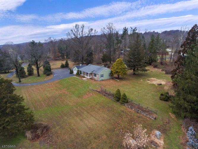 88 DEER HILL RD, Tewksbury Twp, NJ 08833 - Image 1