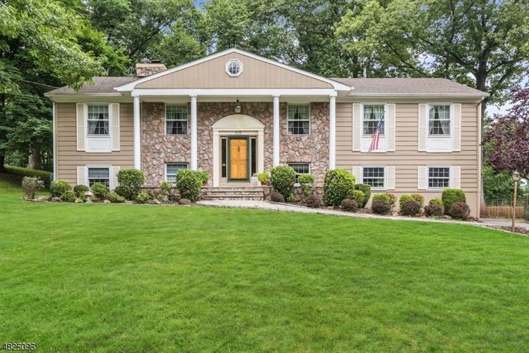 105 HIGH POINT DR, Springfield, NJ 07081 - Image 1
