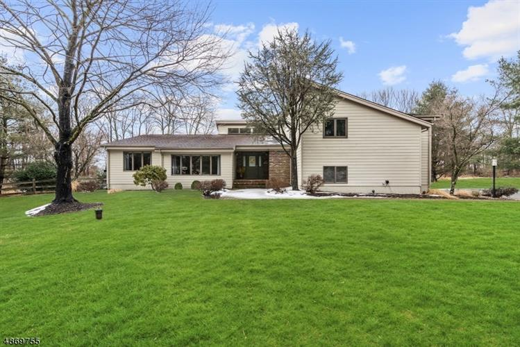6 CHESTER WOODS DR, Chester, NJ 07930 - Image 1
