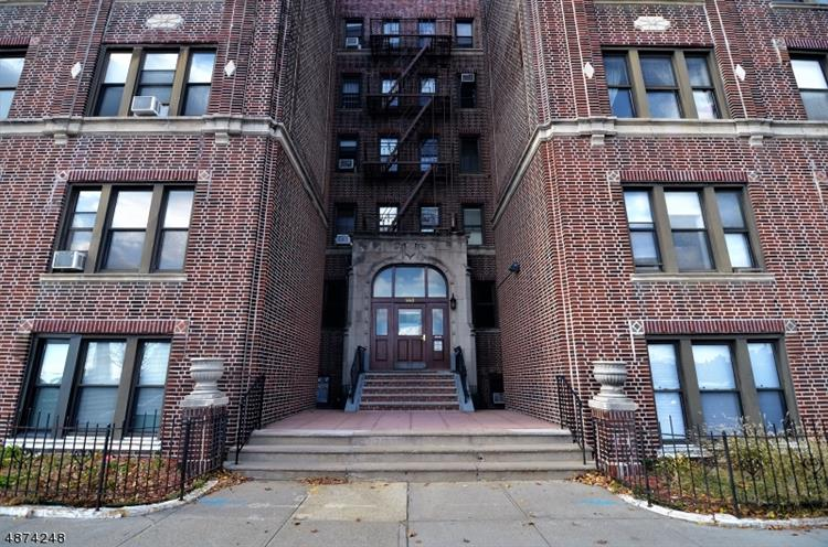 883 BLVD E, Weehawken, NJ 07086 - Image 1