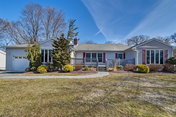 8 MORNINGSIDE CIR, Little Falls, NJ 07424 - Image 1