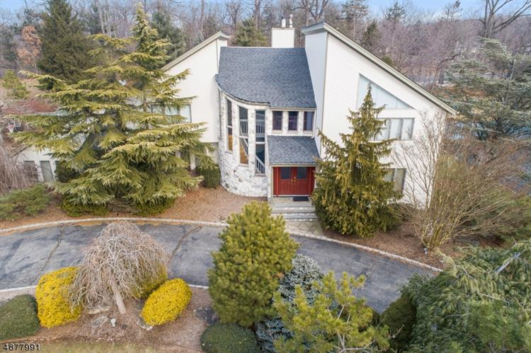 37 ASPEN DR, Livingston, NJ 07039 - Image 1