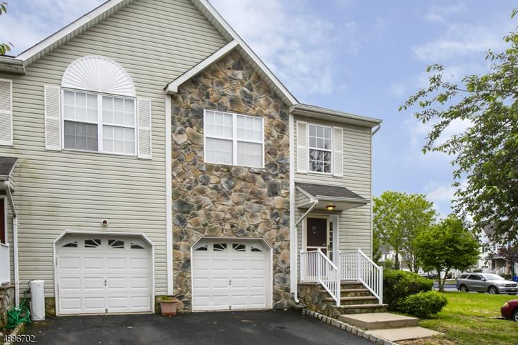 32 VICTORIA DR, Franklin Twp, NJ 08873 - Image 1