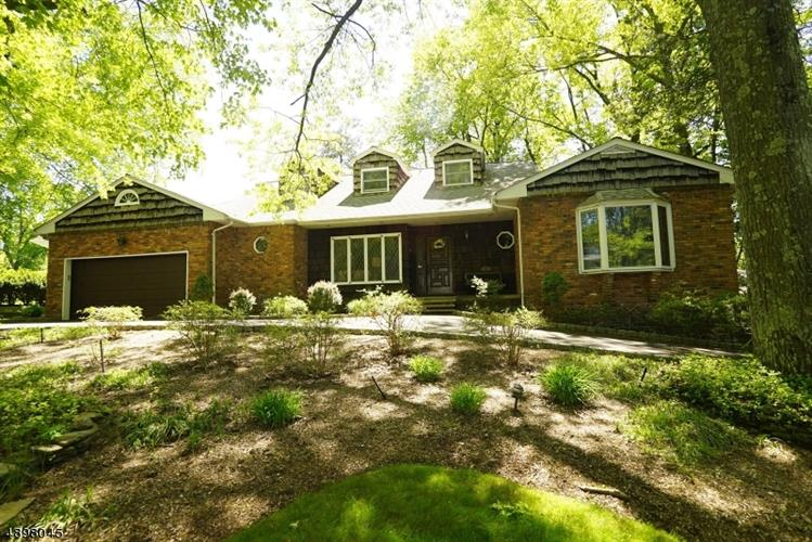 44 POWDER HORN DR, Wayne, NJ 07470 - Image 1