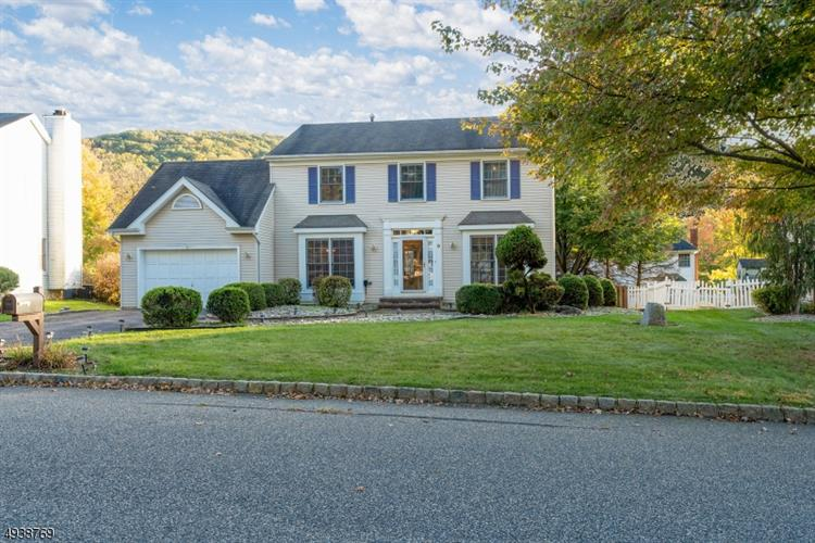 8 DEER PATH, Bloomsbury, NJ 08804 - Image 2