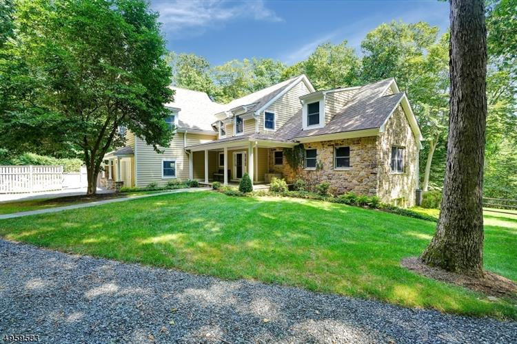 19 PRUNER FARM RD, Tewksbury Twp, NJ 08833 - Image 2