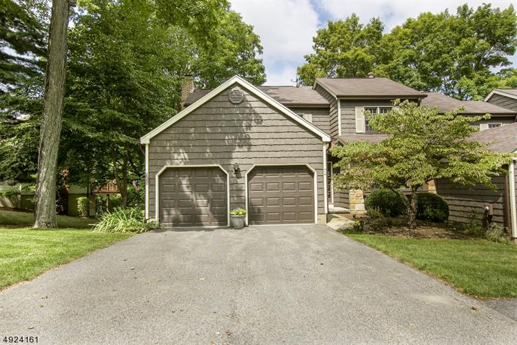 74 GOLDFINCH DR, Allamuchy Twp, NJ 07840 - Image 1