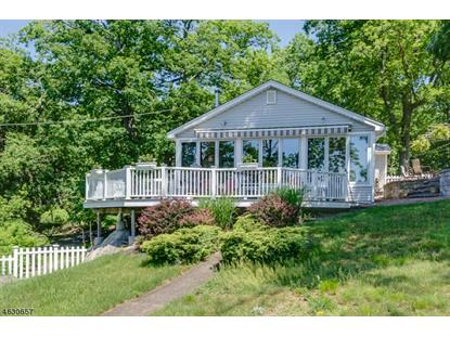 64 Ithanell Rd , Hopatcong, NJ