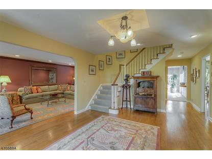 6 Fawn Dr , Livingston, NJ