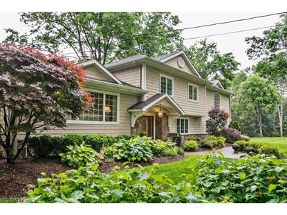 383 Hampshire Ct , Wyckoff, NJ