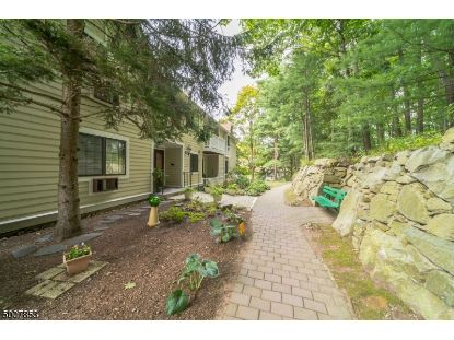 2 FOXWOOD DR  Morris Plains, NJ MLS# 3662586
