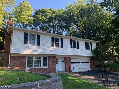 42 OVERLOOK TRL  Morris Plains, NJ MLS# 3665677