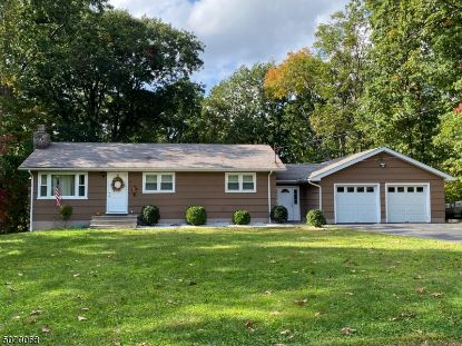 7 PAWNEE TRL  Jefferson Township, NJ MLS# 3667676