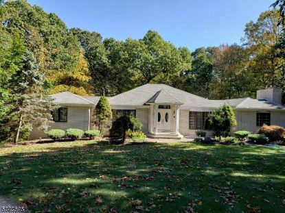5 ROUND HILL TER  Kinnelon, NJ MLS# 3674070