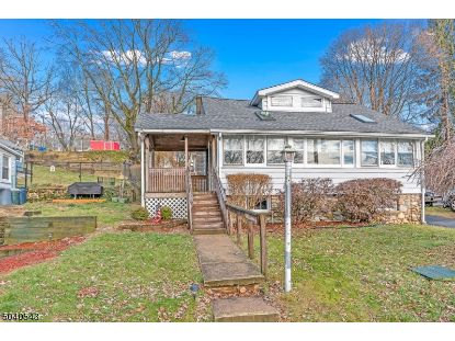 9 LAKEVIEW TER  Stanhope, NJ MLS# 3685823