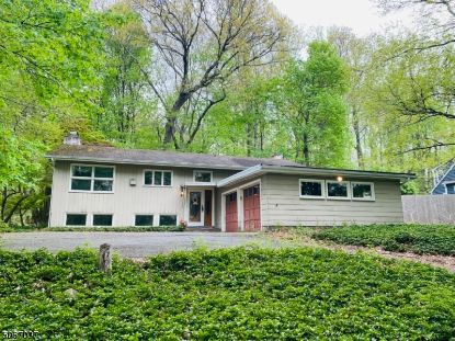 86 Mine Mount Rd  Bernardsville, NJ MLS# 3708425