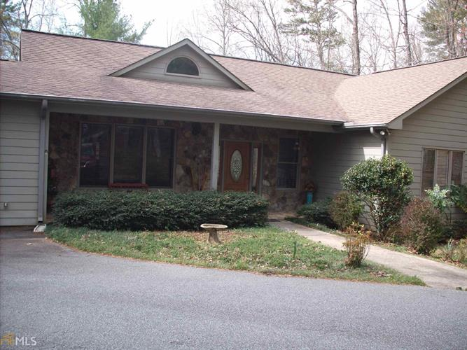 sautee nacoochee big and beautiful singles 1183 glenns dr, sautee nacoochee, ga 30571 homes sold in sautee nacoochee, ga great mountain views covered wrap-a-round porch, fabulous cabin with 2 story stone fireplace with log mantle.