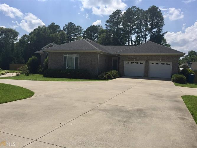 382 Brown St, Hartwell, GA 30643