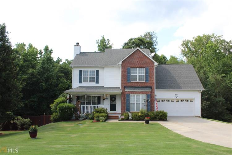 305 Greenleaf Ct, Loganville, GA 30052