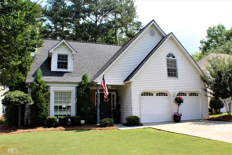 8955 Club River Dr, Roswell, GA 30076