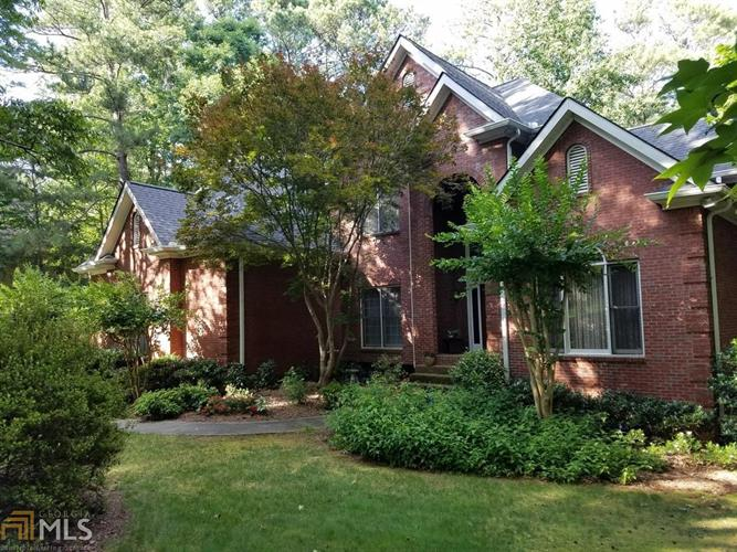 5220 Old Mountain Ln, Powder Springs, GA 30127