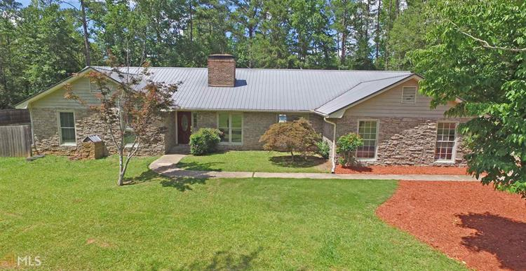 70 Oak Cir, Pine Mountain, GA 31822