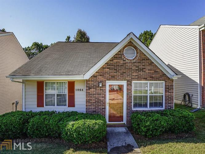 1064 Hillsborough Chase, Kennesaw, GA 30144