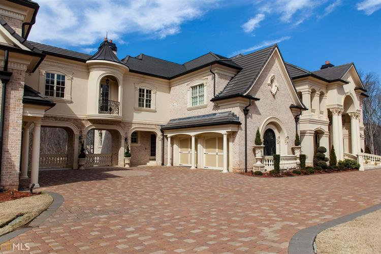 5700 Riverside Dr, Sandy Springs, GA 30327 - Image 1