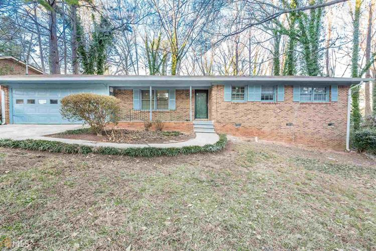 4176 Indian Forest Rd, Stone Mountain, GA 30083