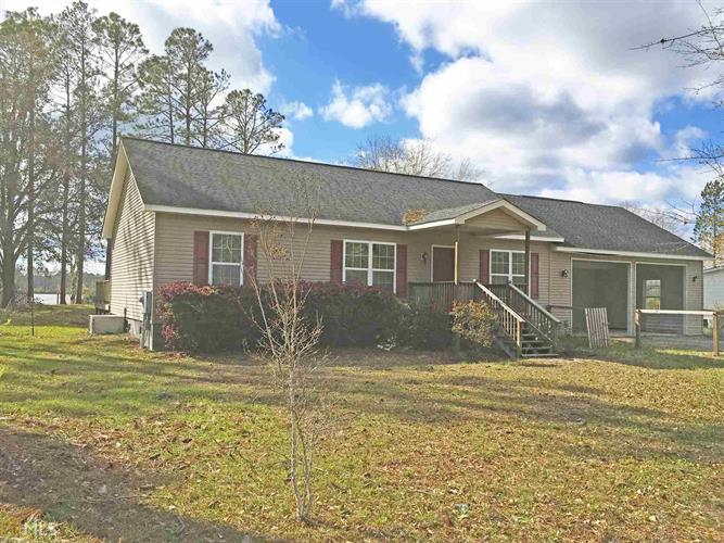 105 Stokes Lake Rd, Folkston, GA 31537