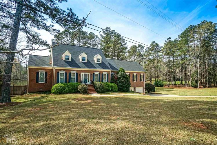 125 Conifer Dr, Forsyth, GA 31029