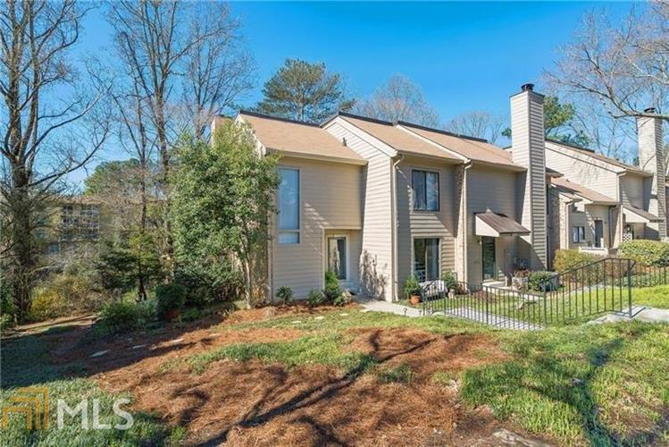 3713 Stonewall Cir, Atlanta, GA 30339