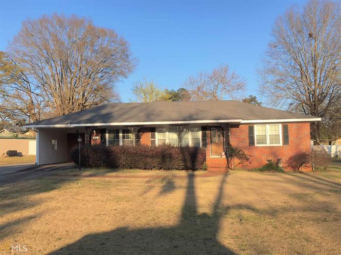 624 Peachtree Dr, Thomaston, GA 30286