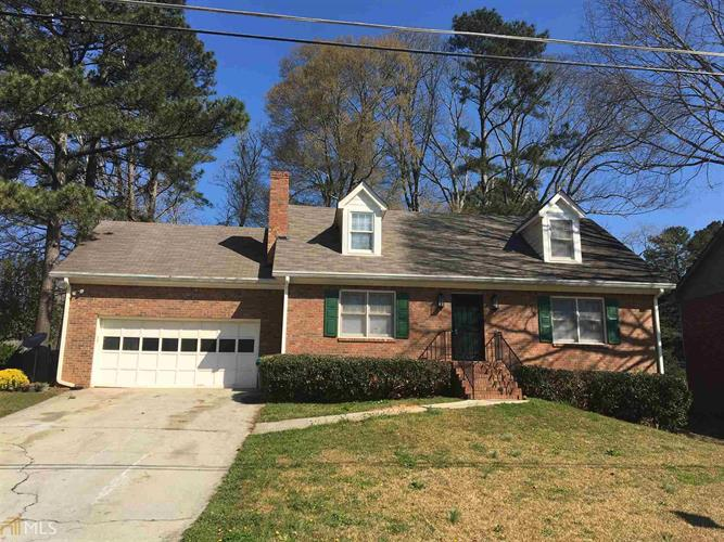 6348 Phillips Pl, Lithonia, GA 30058