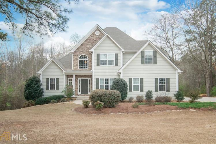 61 Willow Bend Cir, Senoia, GA 30276