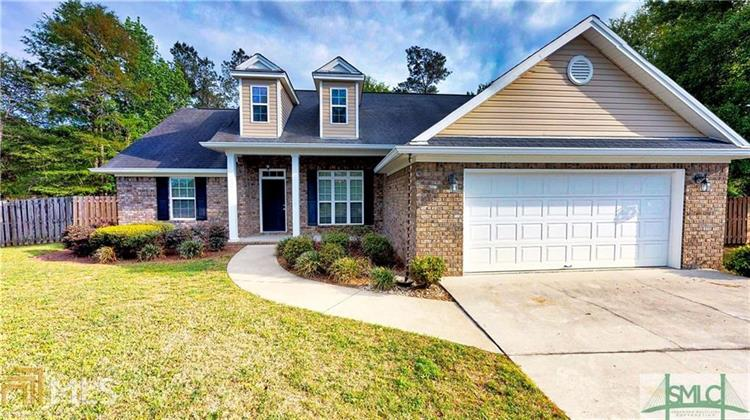 528 Cobblestone Cir, Bloomingdale, GA 31302