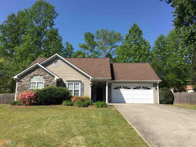 131 Hunters Pointe Ct, Villa Rica, GA 30180