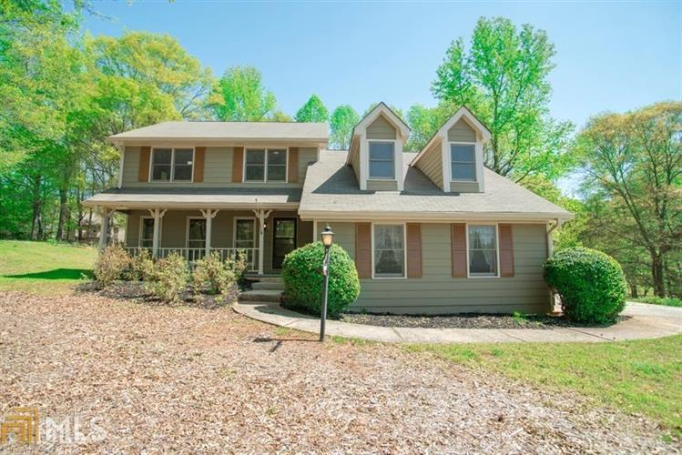 6 Carriagelight Way, Newnan, GA 30263