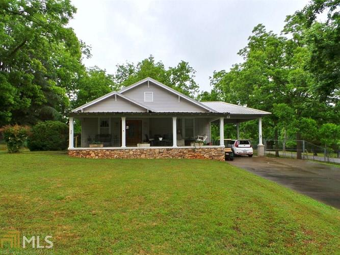 482 Youngs Mill Rd, Lagrange, GA 30241