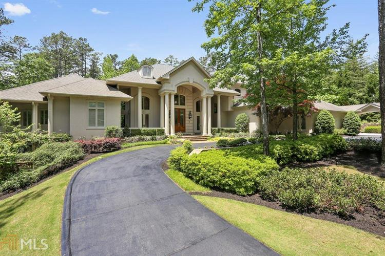 100 Fernwater Ct, Roswell, GA 30075