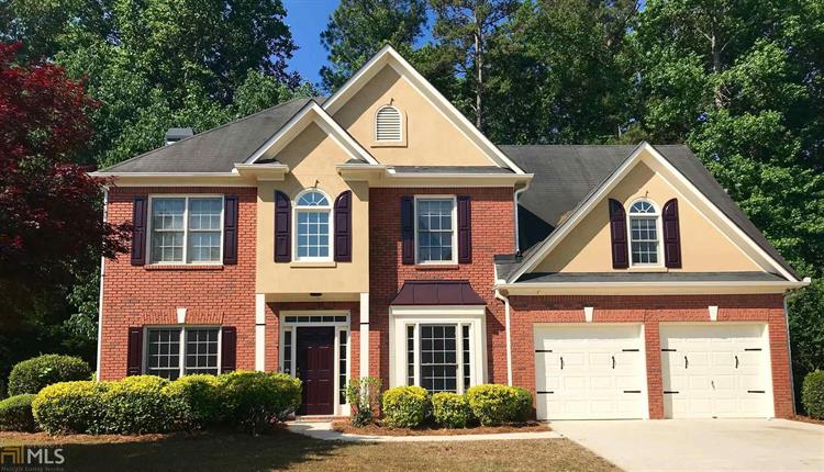 245 Mistybrook Cir, Stone Mountain, GA 30087